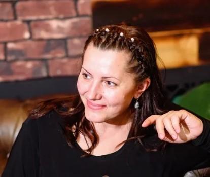 Марина Серова поэт